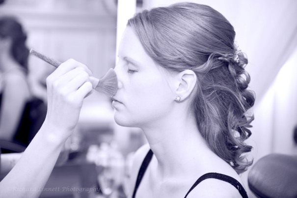 Expert bridal make-up
