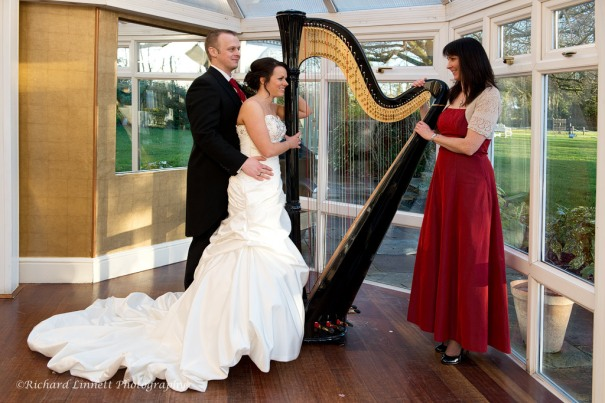 Harp with bride and groom