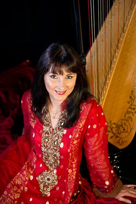 Bollywood harpist Oona Linnett