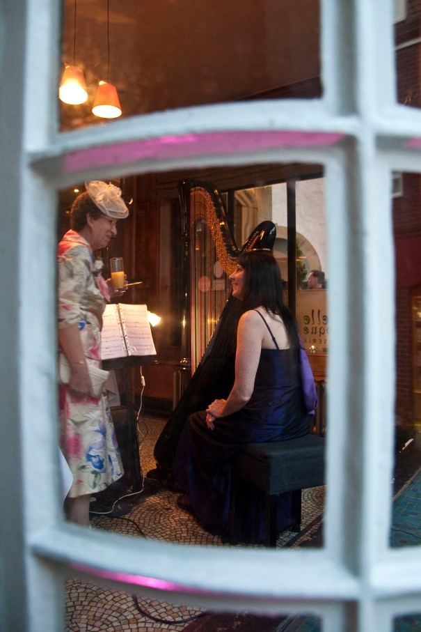 oona Linnett at the Belle Epoque